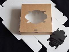 Коробка универсальная 140*140*50 мм крафтовая
